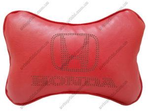 подушка на подголовник с логотипом honda, красная экокожа с перфорацией